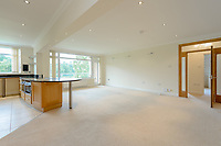 BNPS.co.uk (01202 558833)<br /> Pic: EdwardsEstates/BNPS<br /> <br /> The perfect bolt-hole for any golf fanatic has gone on the market - an apartment that looks down on the 18th green of the country's most prestigious courses.<br /> <br /> The three bedroom flat sits behind the last green Ferndown Golf Club in Dorset where legendary commentator Peter Alliss is a member.<br /> <br /> The £2,000 a year club also hosts annual qualifying events for the Open Championship and is the home course of football boss Harry Redknapp.