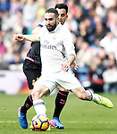 Real Madrid's Daniel Carvajal (f) and RCD Espanyol's Jose Manuel Jurado during La Liga match. February 18,2017. (ALTERPHOTOS/Acero)