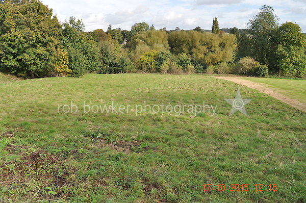 RIVERSIDE AMENITY LAND AT STREATLEY. TITLE NO: BK381630<br /> The mown line coincides with a 90 degree angle from the roadway.