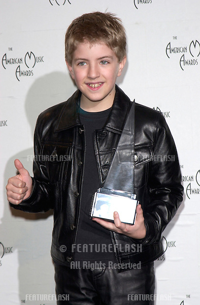 Singer BILLY GILMAN at the 28th Annual American Music Awards in Los Angeles..08JAN2001.  © Paul Smith/Featureflash