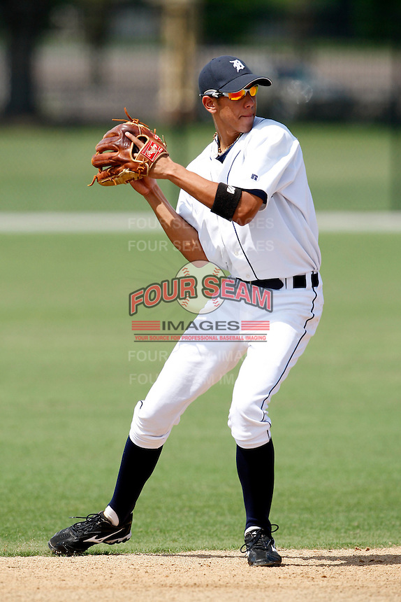 July 13, 2009:  Shortstop Edwin Gomez of the GCL Tigers during a game at Tiger Town in Lakeland, FL.  Gomez was taken in the fourth (4th) round of the 2009 MLB draft.  The GCL Tigers are the Gulf Coast Rookie League affiliate of the Detroit Tigers.  Photo By Mike Janes/Four Seam Images