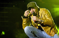 Vasco Rossi sul palco del tradizionale concerto del Primo Maggio organizzato da Cgil, Cisl e Uil in piazza San Giovanni, Roma, 1 maggio 2009..Italian songwriter songwriter Vasco Rossi performs on stage during the traditional May Day concert in St. John Lateran's Square, Rome, 1 may 2009..UPDATE IMAGES PRESS/Riccardo De Luca..