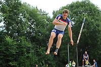 FIERLJEPPEN: GRIJPSKERK: 17-08-2013, 1e Klas wedstrijd, Thewis Hobma, ©foto Martin de Jong