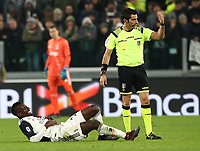 Calcio, Serie A: Juventus - Milan, Turin, Allianz Stadium, November 10, 2019.<br /> Juventus' Blaise Matuidi (l) holds his rib cage in pain during the Italian Serie A football match between Juventus and Milan at the Allianz stadium in Turin, November 10, 2019.<br /> UPDATE IMAGES PRESS/Isabella Bonotto
