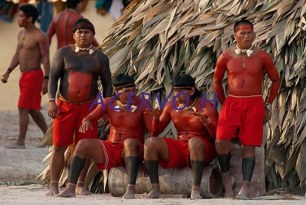X JOGOS DOS POVOS INDÍGENAS <br /> <br /> Xavantes.<br /> <br /> Os Jogos dos Povos Indígenas (JPI) chegam a sua décima edição. Neste ano 2009, que acontecem entre os dias 31 de outubro e 07 de novembro. A data escolhida obedece ao calendário lunar indígena. com participação  cerca de 1300 indígenas, de aproximadamente 35 etnias, vindas de todas as regiões brasileiras. <br /> Paragominas , Pará, Brasil.<br /> Foto Paulo Santos<br /> 03/11/2009