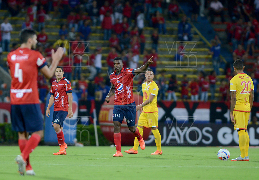 MEDELLÍN - COLOMBIA, 10-08-2017: Danilson Cordoba jugador del Medellín celebra después de anotar un gol al Cali durante el partido de ida entre Independiente Medellín y Independiente Santa Fe por los cuartos de final de la Copa Águila 2017 jugado en el estadio Atanasio Girardot de la ciudad de Medellín. / Danilson Cordoba player of Medellin celebrates after scoring a goal to Nacional during first leg match between Independiente Medellin and Independiente Santa Fe for the finals quater of the Aguila Cup 2017 played at Atanasio Girardot stadium in Medellin city. Photo: VizzorImage/ León Monsalve / Cont
