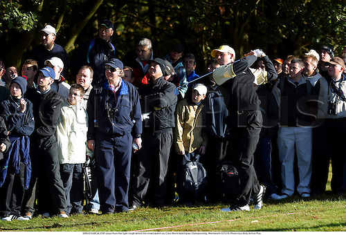 SERGIO GARCIA (ESP) plays from the light rough whilst the crowd watch on, Cisco World Matchplay Championship, Wentworth 021019. Photo:Glyn Kirk/Action Plus...2002.golfer golfers golf golfing.crowds spectator spectators