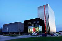 Nederland - Amsterdam - November2019. Science Park. Datacenter Equinix AM3 en AM4. Door de toenemende vraag van bedrijven om hun ict te verplaatsen naar de cloud, heeft Equinix de beschikbare ruimte uitgebreid. Het datacenter ligt op een van de meest netwerkdichte locaties van Europa. Foto Berlinda van Dam / Hollandse Hoogte