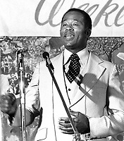 Former Black Panther Eldridge Cleaver speaking at Moonie Warehjouse. (1979 photo/Ron Riesterer)