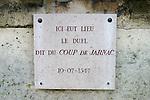 """20050123 - France - Saint-Germain-en-Laye<br /> PLAQUE COMMÉMORATIVE DU DUEL DU """"COUP DE JARNAC"""" SUR L'ENCEINTE DU CHÂTEAU, CÔTÉ PARC<br /> Ref:SAINT-GERMAIN-EN-LAYE_001 - © Philippe Noisette"""