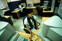 INDIA Bangalore, Software company Infosys in the Electronics City, the indian silicon valley, woman works in software programming department / INDIEN Karnataka Bangalore, Campus der Software Firma Infosys in der electronics city, Frau arbeitet in der Software-Entwicklung
