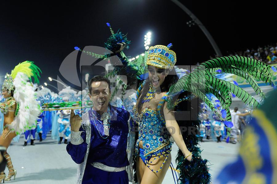 SAO PAULO, SP, 19 DE FEVEREIRO 2012 - CARNAVAL SP - UNIDOS DO PERUCHE - Daniele França durante desfile da escola de samba Unidos do Peruche na terceira noite do Carnaval 2012 de São Paulo, no Sambódromo do Anhembi, na zona norte da cidade, neste domingo.(FOTO: LEVI BIANCO  - BRAZIL PHOTO PRESS).