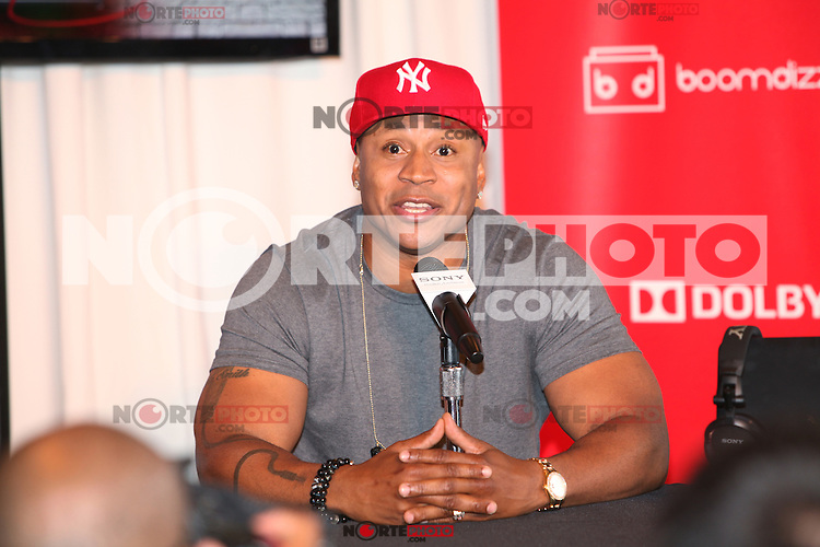 Grammy Award-winning rapper, LL Cool J  appears at an in store to demonstrate Sony's new software application 'My Connect Studio' for the VAIO E14P laptop at the new Sony store in New York City. June 20, 2012. © Diego Corredor/MediaPunch Inc NORTEPHOTO.COM<br /> **SOLO*VENTA*EN*MEXICO**<br /> **CREDITO*OBLIGATORIO** <br /> *No*Venta*A*Terceros*