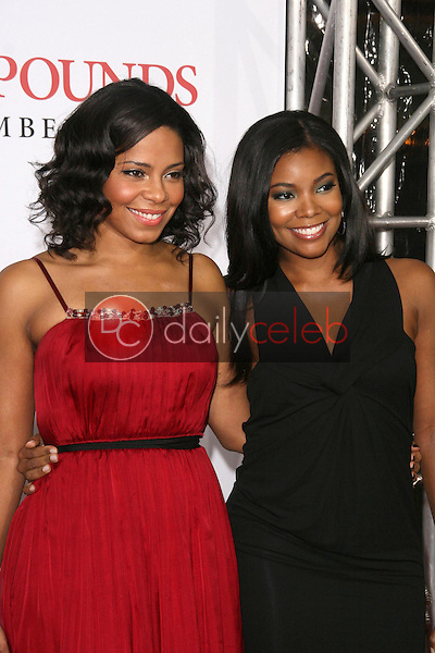 Sanaa Lathan and Gabrielle Union <br /> at the Los Angeles Premiere of 'Seven Pounds'. Mann Village Theatre, Westwood, CA. 12-16-08<br /> Dave Edwards/DailyCeleb.com 818-249-4998