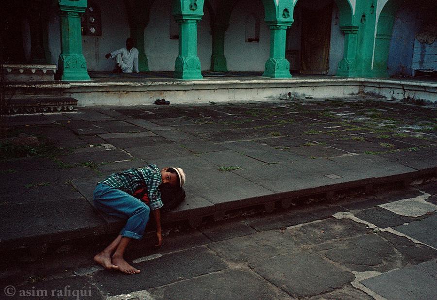 At Burhanuddin Gharib's shrine