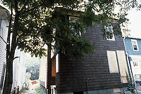 1986 July ..Redevelopment.Huntersville 1&2 (R-70)..744 A AVENUE.EXTERIOR...NEG#.NRHA#..
