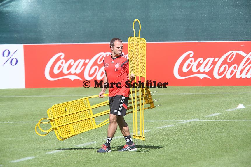 Co-Trainer Hansi Flick - Abschlusstraining der Deutschen Nationalmannschaft gegen die U20 im Rahmen der WM-Vorbereitung in St. Martin