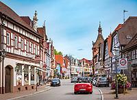Germany, Baden-Wurttemberg, Black Forest, Zell am Harmersbach: main street in old town | Deutschland, Baden-Wuerttemberg, Schwarzwald, Zell am Harmersbach im Ortenaukreis: Hauptstrasse in der Altstadt