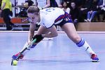 Isabella Schmidt (Nr.31,Mannheimer HC) am Ball  beim Spiel der Hockey Bundesliga Damen, Mannheimer HC - Rüsselsheimer RK.<br /> <br /> Foto © PIX-Sportfotos *** Foto ist honorarpflichtig! *** Auf Anfrage in hoeherer Qualitaet/Aufloesung. Belegexemplar erbeten. Veroeffentlichung ausschliesslich fuer journalistisch-publizistische Zwecke. For editorial use only.