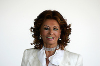 "L'attrice Sophia Loren posa durante un photocall per la presentazione del film ""Cars 2"" a Roma, 15 giugno 2011..Italian movie legend Sophia Loren poses during a photocall for the presentation of the animation movie ""Cars 2"" in Rome, 15 june 2011. Sophia Loren voices the  Mama Topolino in the Italian version..UPDATE IMAGES PRESS/Riccardo De Luca"