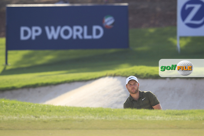 Jordan Smith (ENG) on the 15th green during the final round of the DP World Tour Championship, Jumeirah Golf Estates, Dubai, United Arab Emirates. 18/11/2018<br /> Picture: Golffile | Fran Caffrey<br /> <br /> <br /> All photo usage must carry mandatory copyright credit (&copy; Golffile | Fran Caffrey)