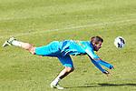 Nederland, Katwijk, 11 oktober  2012.Seizoen 2012-2013.Nederlandselftal.Training van Oranje.Rafael van der Vaart van Oranje in actie met de bal