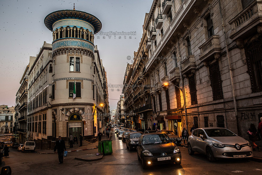 Edifici del centro di Oran Buildings in Oran center rue Khemisti