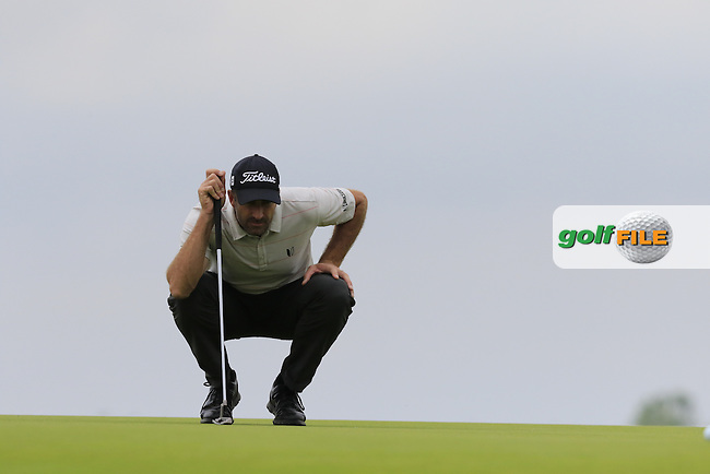 Geoff Ogilvy (AUS) lines up his putt on the 3rd green during Friday's Round 1 of the 2016 U.S. Open Championship held at Oakmont Country Club, Oakmont, Pittsburgh, Pennsylvania, United States of America. 17th June 2016.<br /> Picture: Eoin Clarke | Golffile<br /> <br /> <br /> All photos usage must carry mandatory copyright credit (&copy; Golffile | Eoin Clarke)