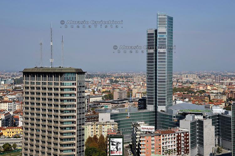 Milano: il quartiere rinnovato di Porta Nuova, Palazzo Lombardia nuova sede della regione.Milan: the new Porta Nuova district, Palazzo Lombardia,  the main seat of the government of Lombardy