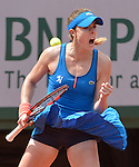 Alize Cornet (FRA) defeats Mirjana Lucic-Baroni (CRO) 4-6, 6-3, 7-5