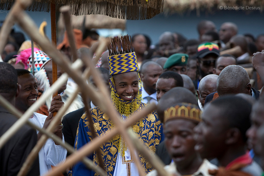 April 17, 2010 - Karuzika Royal Palace, Fort Portal, Uganda - Newly crowned King Oyo Nyimba Kabamba Iguru Rukidi IV during his 18th birthday celebration in Karuzika Royal Palace at Fort Portal. King Oyo is one of the world's youngest ruling monarchs. He ascended to throne at age three after his father, King Olimi Kaboyo, died of a heart attack in 1995. He rules over more than 2 million people in the Tooro kingdom, one of four kingdoms allowed by the government to exist in Uganda. Today he assumed the full duties of King of the Tooros as he reachs adulthood. Photo credit: Benedicte Desrus /Sipa Press