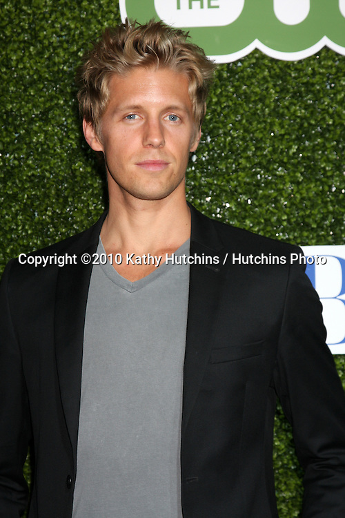 LOS ANGELES - JUL 28:  Matt Barr arrives at the 2010 CBS, The CW, Showtime Summer Press Tour Party  at The Tent Adjacent to Beverly Hilton Hotel on July28, 2010 in Beverly Hills, CA ...