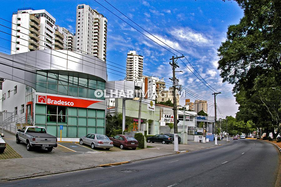 Banco Bradesco no Pacaembú. São Paulo. 2004. Foto de Juca Martins.