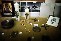 27 gennaio.Il giorno della memoria della Shoah..Il Campo di concentramento di Dachau fu un campo di concentramento nazista creato nei pressi della cittadina di Dachau, a nord di Monaco di Baviera, nel sud della Germania.Il campo venne costruito sul sito di una vecchia fabbrica in disuso e completato il 21 marzo 1933. Insieme con il campo di sterminio di Auschwitz, Dachau è nell'immaginario collettivo, il simbolo dei campi di concentramento nazisti..January 27.The day of memory of the Holocaust.Dachau concentration camp was the first Nazi concentration camp opened in Germany in March 1933,it was located on  abandoned  factory near  Munich in the state of Bavaria.Monastero delle suore carmelitane.Monastery of the Carmelite Sisters..
