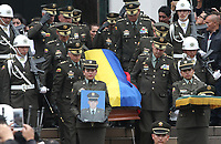 BOGOTÁ - COLOMBIA, 28-01-2019:Con la presencia del señor general director de la Policia Nacional de Colombia Óscar Atehortúa Duque y otros generales se llevaron acabo las exequias del cadete Andrés Felipe Carvajal Moreno víctima del atentado terrorista en La Escuela de Policia  General Santander / With the presence of the general director of the National Police of Colombia Óscar Atehortúa Duque, the funeral of Andrés Felipe Carvajal Moreno, the victim of the terrorist attack at the General Santander Police School, took place.Photo: VizzorImage / Felipe Caicedo / Satff