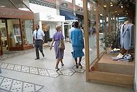 1985 July ..Conservation.Downtown West (A-1-3)...INTERIOR .SELDEN ARCADE SHOPS...NEG#.NRHA#..