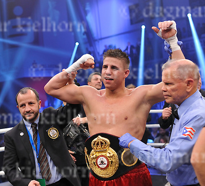 November 05-16,MBS Arena, Potsdam, Brandenburg, Germany<br /> WBA World super middleweight title<br /> Super Middleweight	 Champ from Italy,Giovanni De Carolis vs Tyron Zeuge,Berlin,Germany<br /> Zeuge wins by twelfth round TKO , referee Rafael Ramos and an official show the winner