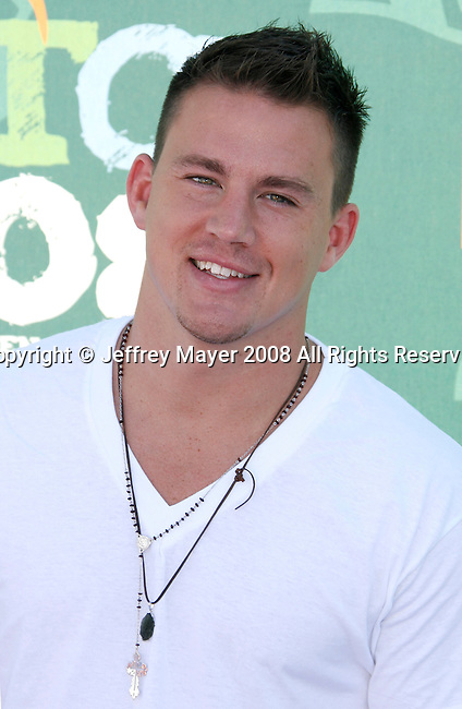 Actor Channing Tatum arrives at the 2008 Teen Choice Awards at the Gibson Amphitheater on August 3, 2008 in Universal City, California.