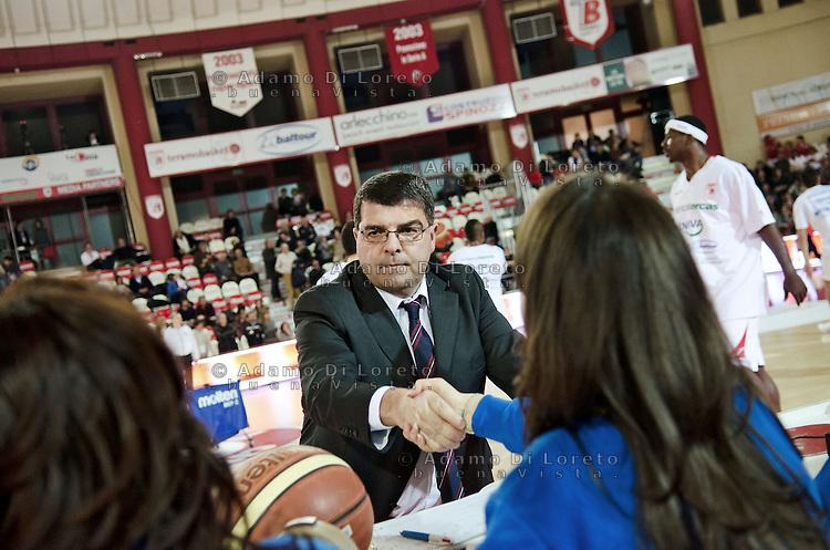 TERAMO 15/01/2012 - BASKET LEGA SERIE A1 CAMPIONATO 2011 - 2012: INCONTRO BANCA TERCAS TERAMO - CIMBERIO VARESE.NELLA FOTO ALESSANDRO RAMAGLI TERAMO.FOTO DI LORETO ADAMO