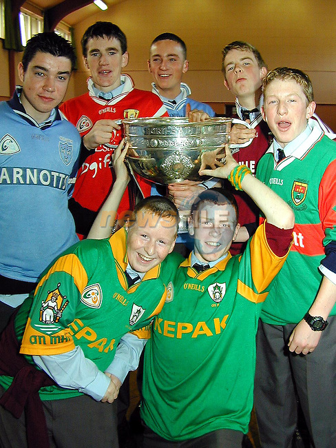 John and Brian Loughlin, Darragh Byrne, Thomas Fields, Kevin Woods, Gavin Hanley and Conor Daly with the Sam Maguire Cup when it visited Gormanstown College on Friday..Picture Paul Mohan Newsfile