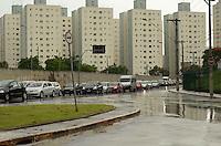 SÃO PAULO, SP, 25 DE JANEIRO DE 2012 - CHUVA TRANSITO ABC - Chuva causa lentidão no trânsito na Avenida Guido ALiberti, em São Caetano do Sul, na tarde desta quarta-feira. FOTO: ALEXANDRE MOREIRA - NEWS FREE.
