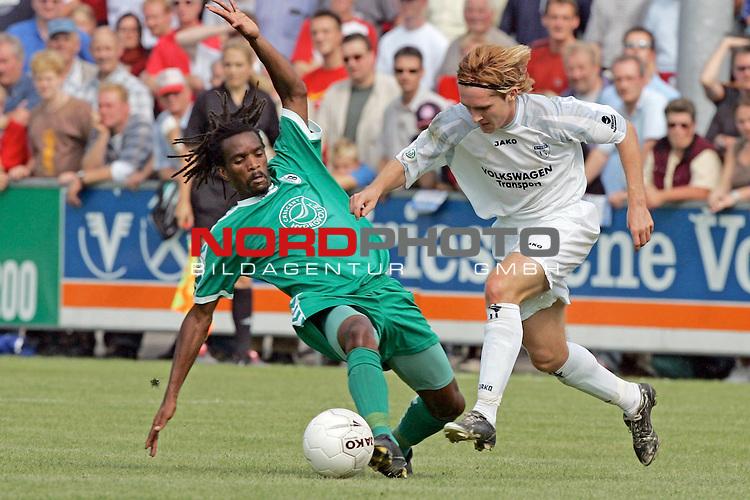 RLN 05 / 06 - 8. Spieltag<br /> <br /> Kickers Emden vs VFB Luebeck<br /> <br /> Ferhat Cerci / Emden gegen Farai Mbidzo  / Luebeck<br /> <br /> <br /> <br /> Foto &copy; nordphoto <br /> <br /> <br /> <br />  *** Local Caption *** Foto ist honorarpflichtig! zzgl. gesetzl. MwSt.<br /> <br />  Belegexemplar erforderlich