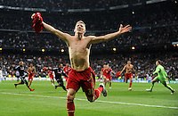 FUSSBALL   CHAMPIONS LEAGUE SAISON 2011/2012  HALBFINALE  RUECKSPIEL      Real Madrid - FC Bayern Muenchen           25.04.2012 Bastian Schweinsteiger (FC Bayern Muenchen) bejubelt den Einzug in das Finale