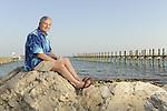 Key Largo, FL- 2/20/2009: ..Bob Williamson poses at his Key Largo home for Reader's Digest. ..Photo by Preston Mack / Redux..