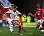 Billy Sharp of Sheffield Utd takes a shot during the Sky Bet League One match at Bramall Lane Stadium. Photo credit should read: Simon Bellis/Sportimage
