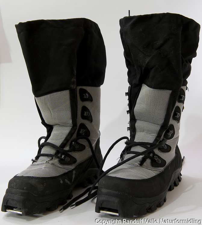 Meindl skisko for streng kulde. ---- Meindl skiing boots for cold conditions.
