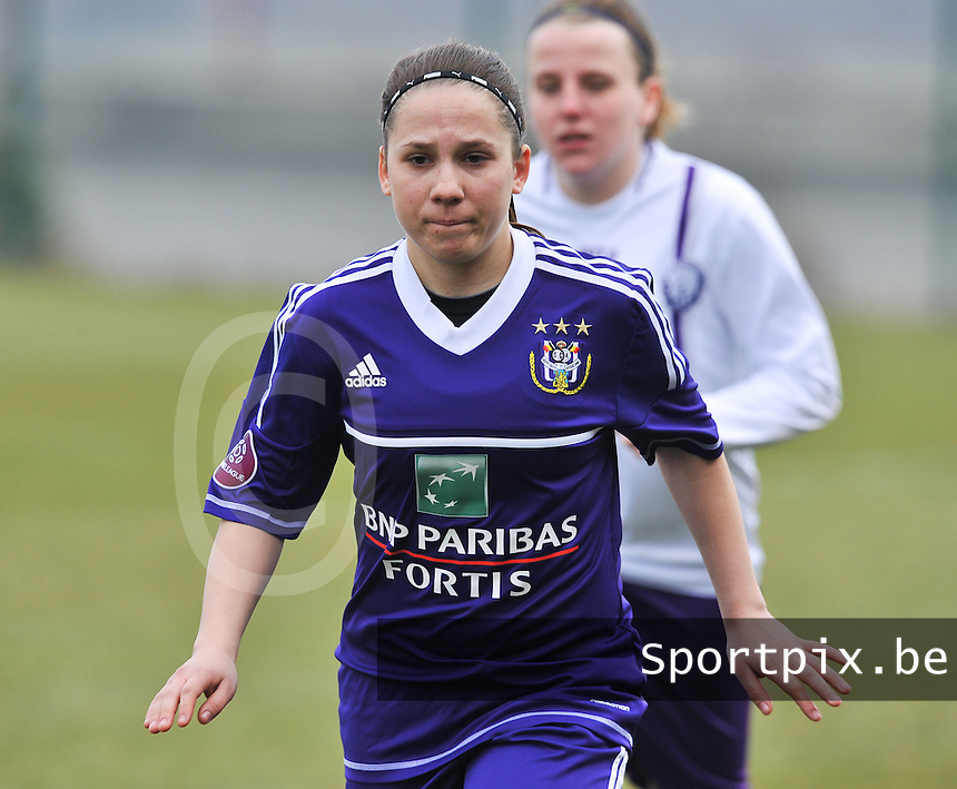 RSC Anderlecht Dames - Beerschot : Taika De Koker.foto DAVID CATRY / Vrouwenteam.be