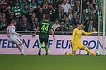15.04.2018, Weser Stadion, Bremen, GER, 1.FBL, Werder Bremen vs RB Leibzig, im Bild<br /> <br /> Timo Werner (RB Leipzig #11)<br /> Philipp Bargfrede (Werder Bremen #44)<br /> Jiri Pavlenka (Werder Bremen #1) haelt den Ball<br /> <br /> Foto &copy; nordphoto / Kokenge