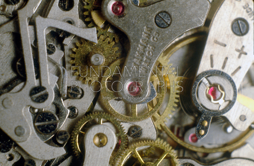 MECHANICAL WATCH MECHANISM<br />