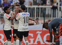 SAO PAULO SP, 01.09.2013 - Corinthians X Flamengo - Jogadores comemora quarto gol  do Corinthians durante partida contra o Flamengo valida pelo campeonato brasleiro de 2013  no Estadio do Pacaembu em  Sao Paulo, neste domingo, 01. (FOTO: ALAN MORICI / BRAZIL PHOTO PRESS).